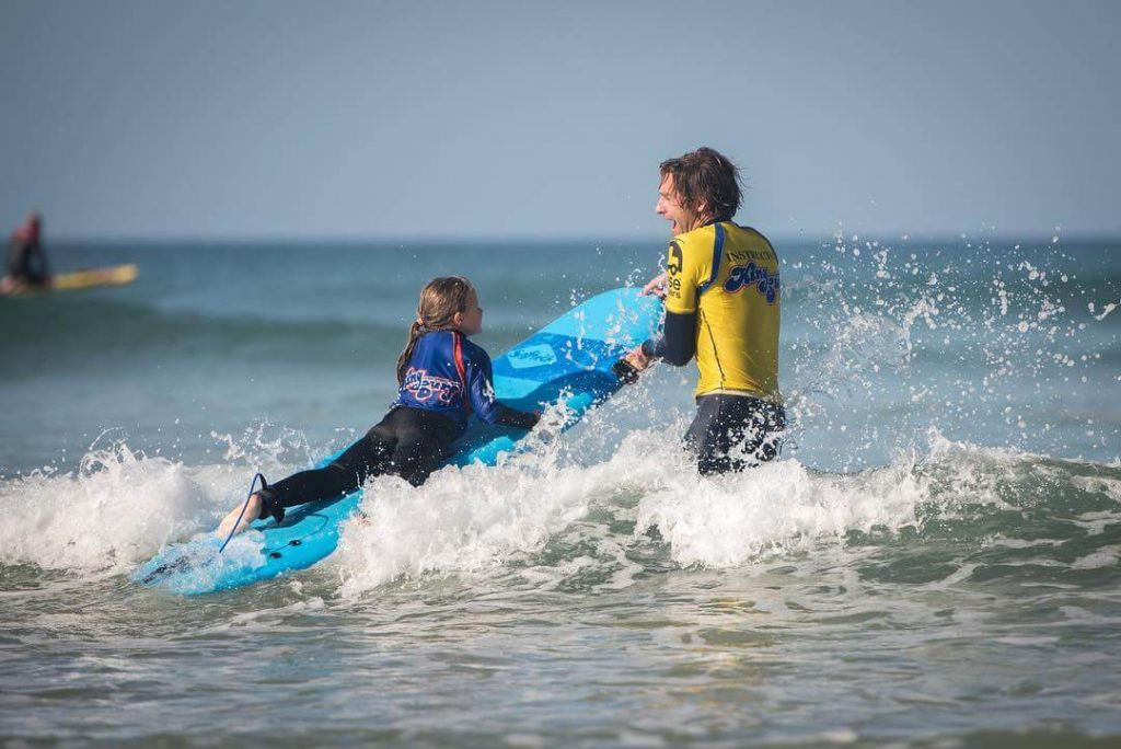 kingsurf reviews of surf schools in cornwall with peter abell surf instructor in mawgan porth 1024x684 - Epic Surf School Review from Daily Mail & the Independent