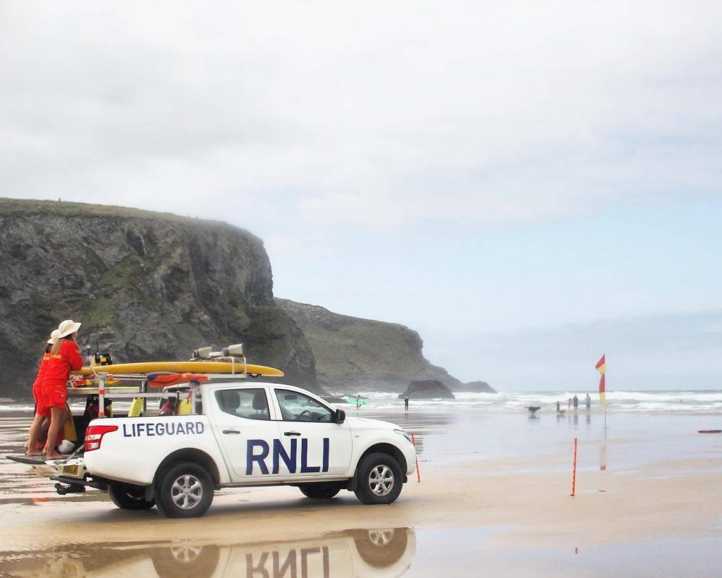 view from mawgan porth beach of lifeguards in cornwall reading kingsurf surf school reviews 1024x820 - Epic Surf School Review from Daily Mail & the Independent