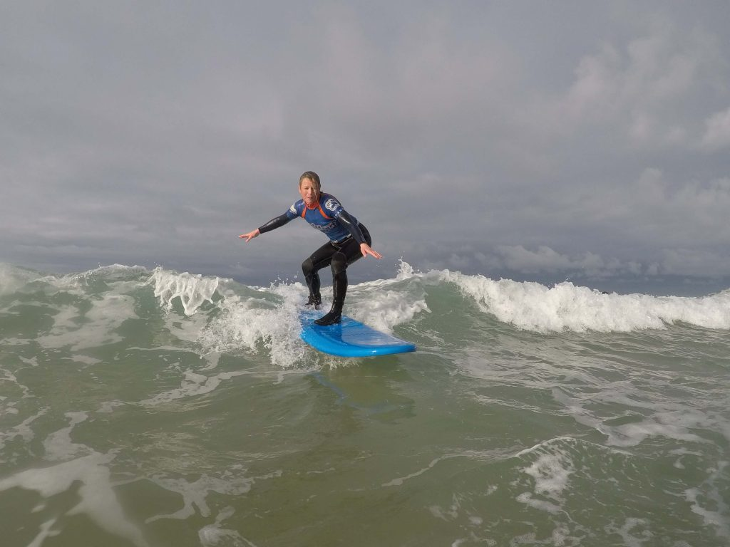 intermediate surf lessons mawgan porth