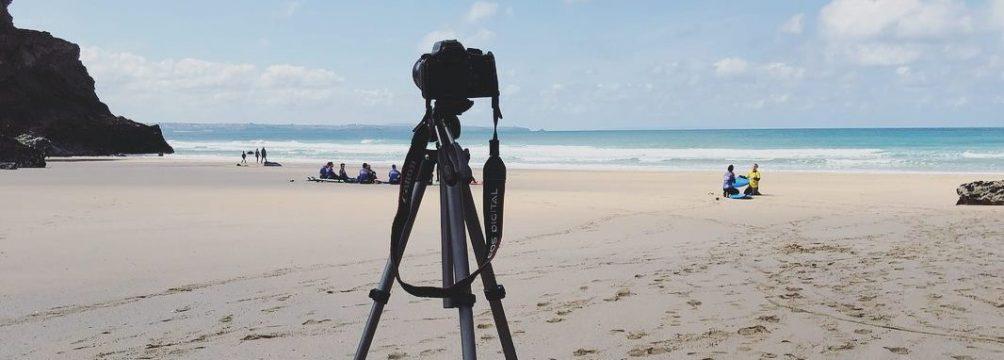 intermediate surfers video analysis at a secret beach intermediate surf camp north cornwall mawgan porth