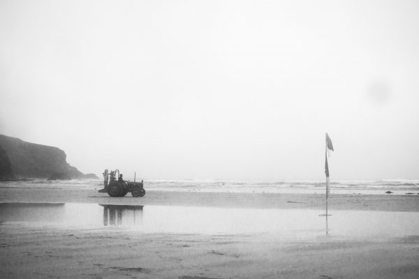 surf check swell forecast mawgan porth tractor 600x400 - Elusion of Illusive Swell