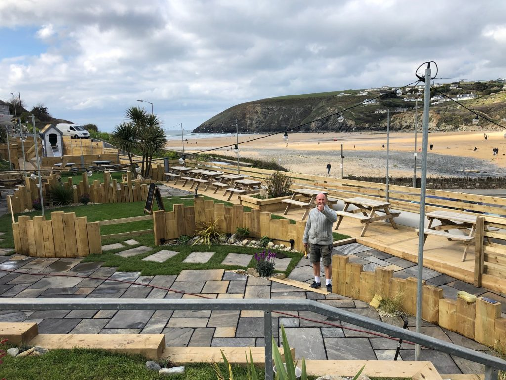 Merrymoor Inn Mawgan Porth new beer garden Kingsurf cornish IPA beer