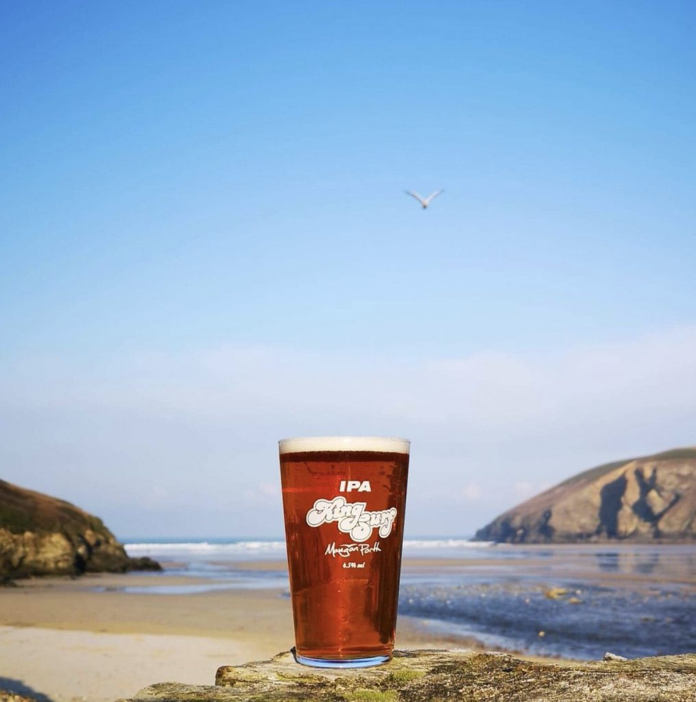 kingsurf IPA cornish beer in Mawgan Porth at the Merrymoor Inn