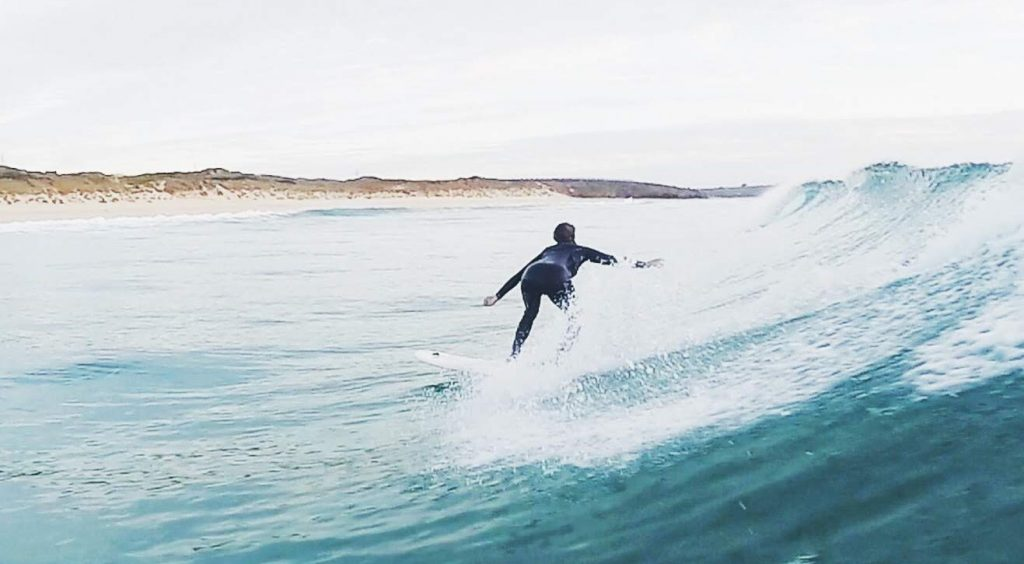 learn to surf with Kingsurf
